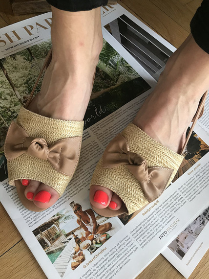 Beige cut out ballet flat