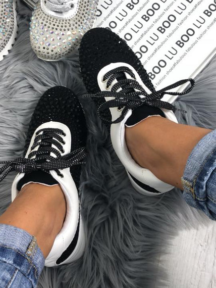 Black sneakers with Crystals