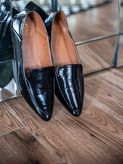 Lu Boo Black Classic loafers in modern style Jules